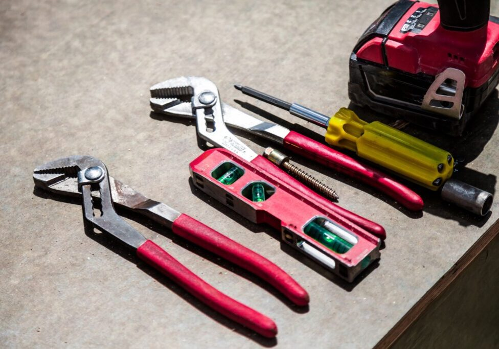 tools-lined-up